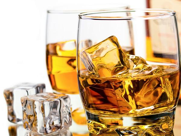 ウィスキー輸入関税・酒税・経費について